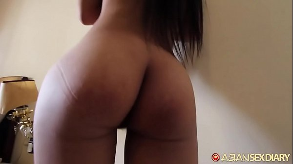 Skinny Vietnamese asian mamasan fucks like she did back in the 1990s