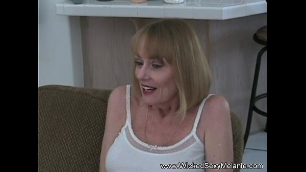 Amature Sex Session from Melanie