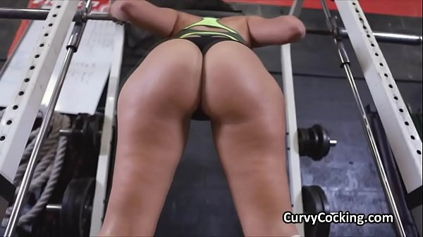 PAWG blows fat cock at gym during workout Thumb