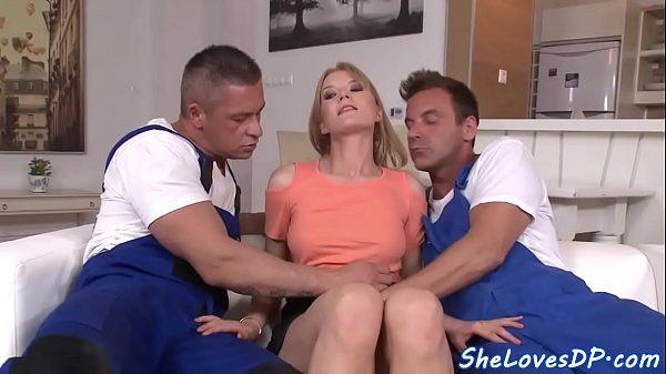 Euro housewife doublepenetrated and creamed