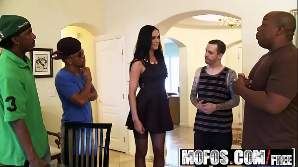 Mofos - Milfs Like It Black - Bianca Breeze - Packing a Lotta Heat