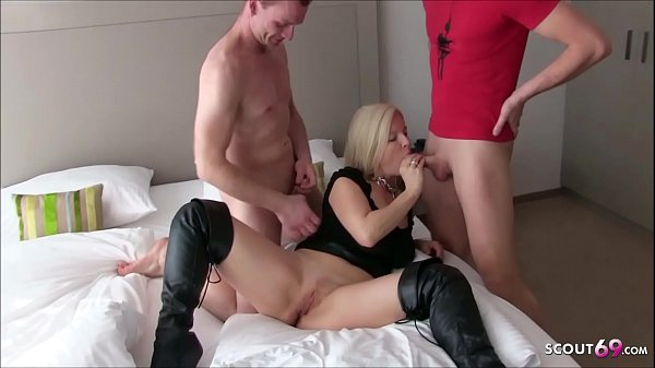 German MILF Kissi-Kiss at Creampie MMF Threesome with Young Guys