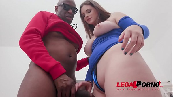 Taylee Wood goes straight to anal fucking with 3 BBC after short warmup with Mike Chapman SZ2436
