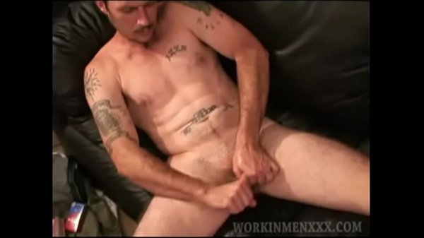 2019-01-01 19:27:45 - Kevin stroking cock 7 min  http://www.neofic.com
