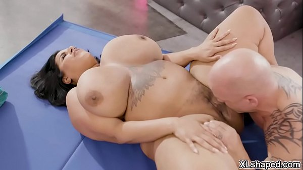 Voluptuous BBW babe Sofia Rose gets a hot workout fuck session with her handsome personal trainer Derrick Pierce. Thumb