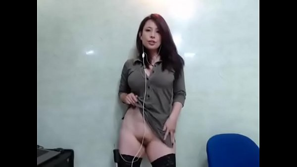 Sexy Asian is All Business on Cam – CamGirlsUntamed.com