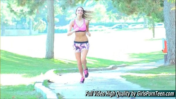 Kenna porn blonde xxx show jogging golf course Thumb