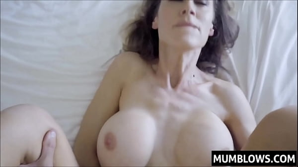 Son slips his prick into Moms tight pussy lips Thumb