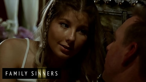 After out when her Mother was out of town (Vienna Rose) shared an illicit kiss with her stepfather Mark - Family Sinners Thumb