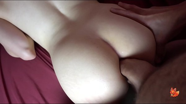 @BonnieBowtie attempts a FAT cock in her ASS