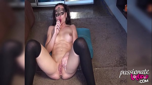Muscle MILF Play Pussy Sex Toys in Stockings