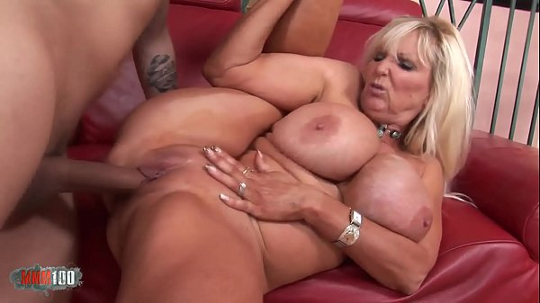 Busty mature babe banged by a vaillant fucker Thumb