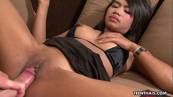 Calm Thai slut fucks a John who can barely func...