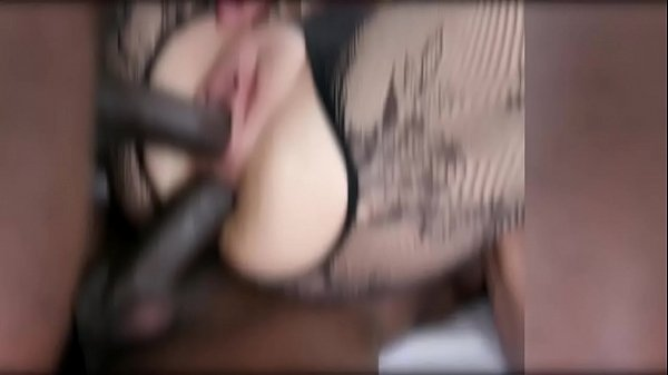 Alice Judge is obedient pissing receiver and she likes that IV502