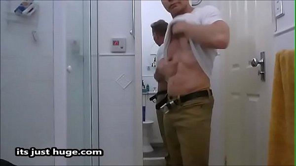 2018-12-29 00:31:20 - WARNING Sexually provocative content graphic humiliating fetishes Video Zak Rogerz 1 min 11 sec  http://www.neofic.com