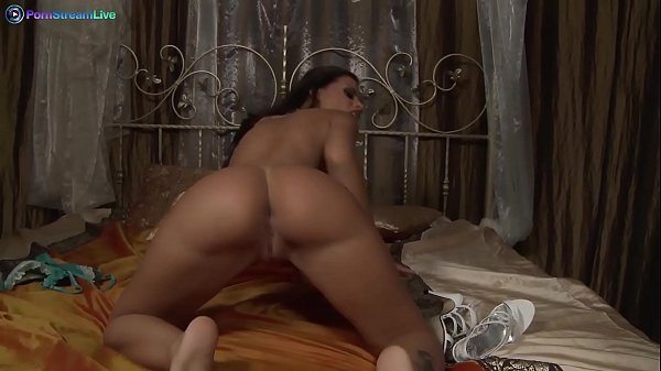 Hot Black Angelika striptease and solo session