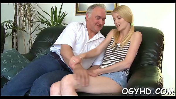 Young crumpet rides old dong