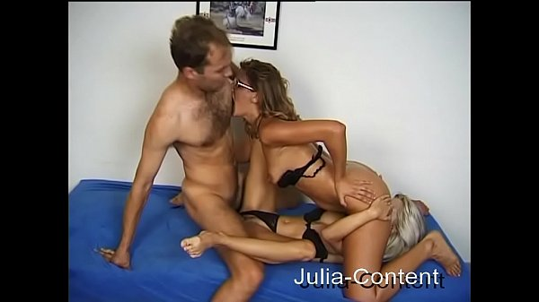 First threesome with 2 women