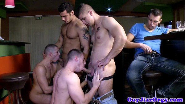 2018-11-11 16:00:45 - Barroom bjs for Gabe Russel and pals 6 min  HD http://www.neofic.com