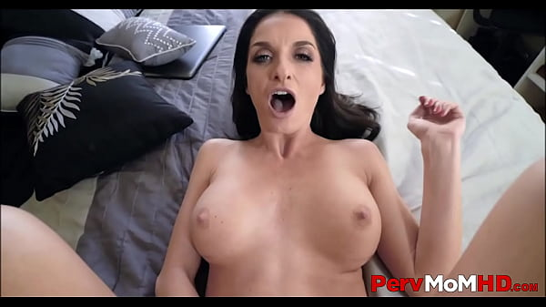 Lonely Big Tits MILF Step Mom Orgasms While St...