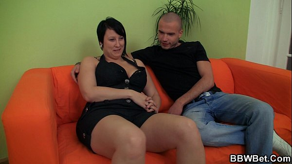 Fat girlfriend enjoys pussy fingering and cock ...