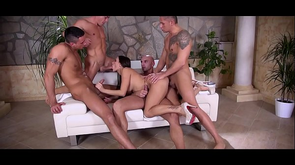 Handsome newbie cant even make his cock hard for Wendy Moon