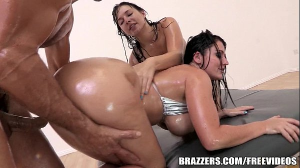 Brazzers - Sophie Dee - A Totally Epic Threesome