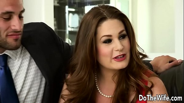 Sexy Swinger Allision Moore Is Fucked by a Long...