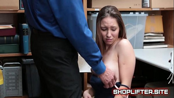 Petite Shoplifting Whore Giving BJ To Officer
