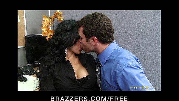 Sexy big-boobed Latina Diamond Kitty has rough-sex with co-worker Thumb