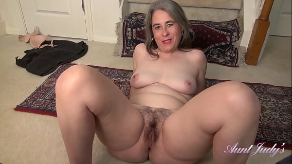 AuntJudys - Helping Step-Auntie Grace with Housecleaning (Virtual POV)