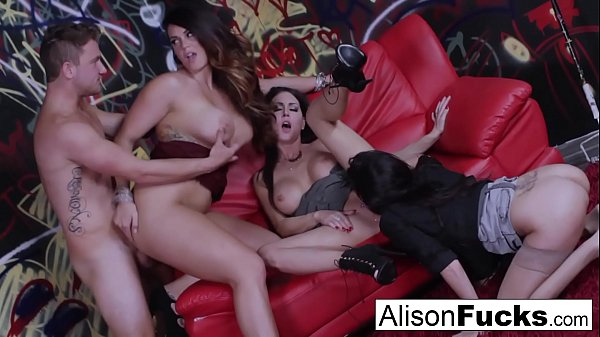 Alison Tyler goes wild in this amazing 4-way of fucking Thumb