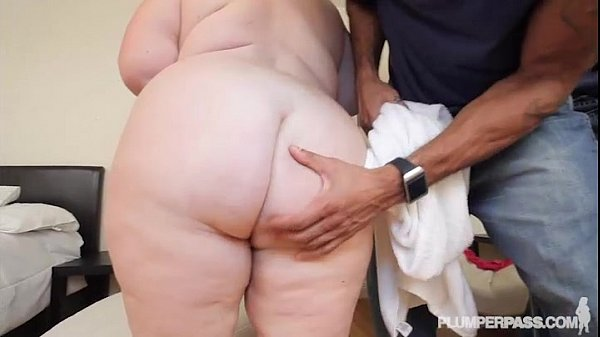 Mature Busty BBW Lady Lynn Dresses Up For and Fucks BBC