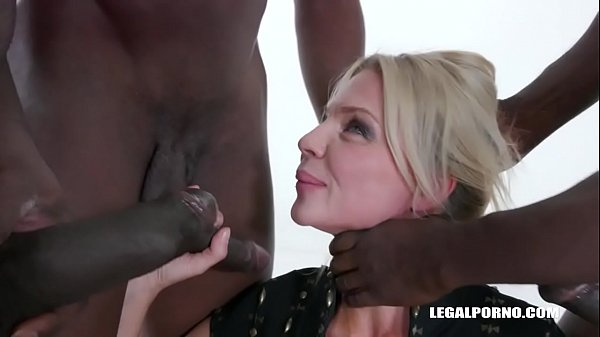 Nadya Basinger enjoys black cocks IV360