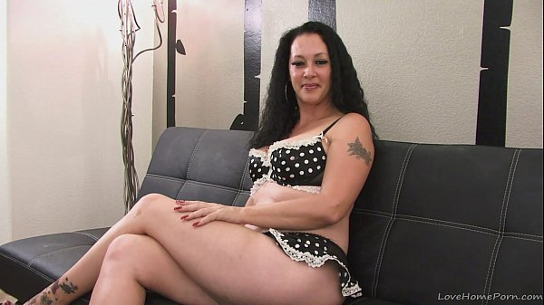 Talented brunette milf showing her awesome blowjob skills