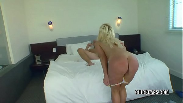 Blonde MILF Dawson Daley takes some dick from a stranger Thumb