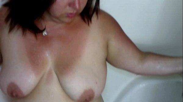 Sexy BBW Pisses in the Shower, Washes Up and Gets Her Face Covered in Cum