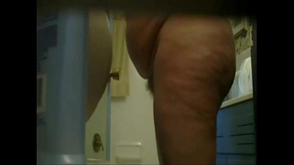 Hot video of my mature mom nude in bath room