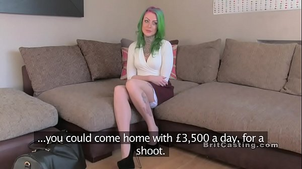 Green haired alt amateur bangs in casting Thumb