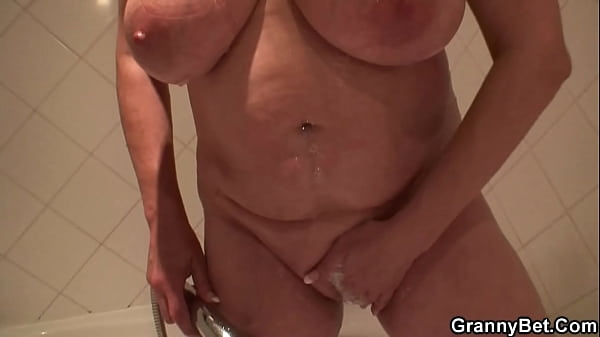 Young dude doggy-fucks very old freckles granny