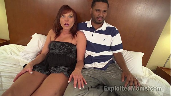 Hot Mom with Bubble Butt Does First Scene in Mi...