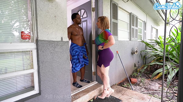 Landlord Sara Jay cums to collect rent at all costs