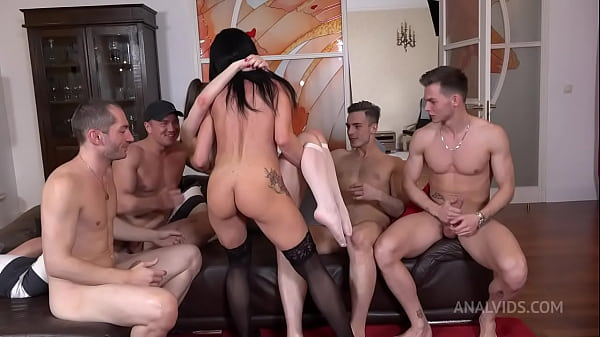 Hot MILF Ruslana Chili and Luscious Baby Bamby Fuck Hard With 4 Cocks! Double Anal, Double Vaginal, Double Penetration NRX093