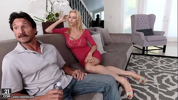 My husband hasn't fucked me in a year! - Alexis Fawx, Tommy Gunn  thumbnail