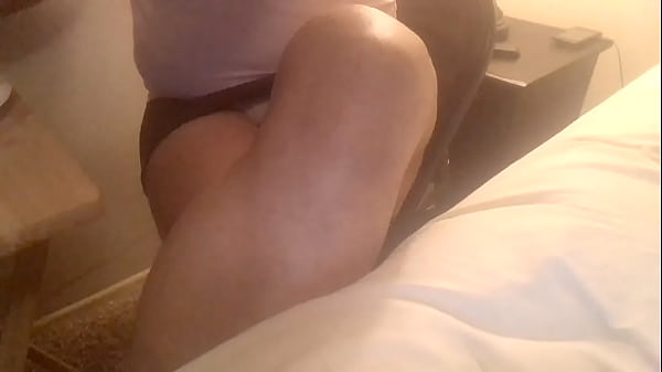 Upskirt of the wife while she's eating dinner Thumb