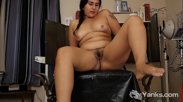 Yanks Cutie Miel Vibrates Her Hairy Snatch