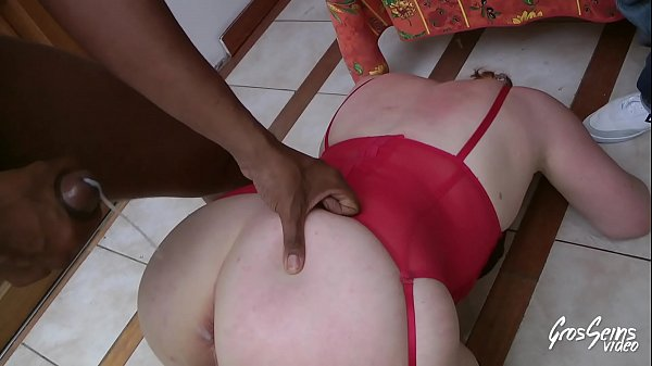 Diane, submissive woman with dilated ass
