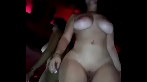Cubano se folla a una super striper caliente, descarga: http://shink.me/GRX7k