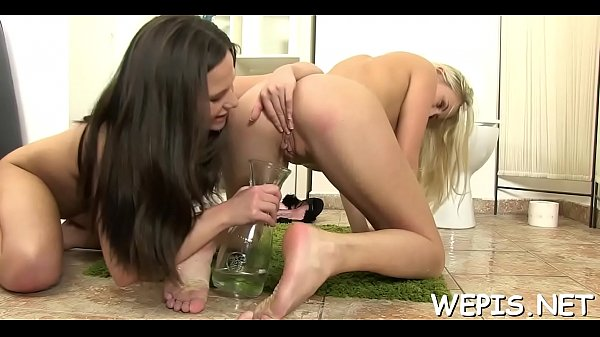 Doxy pissing and drilling twat