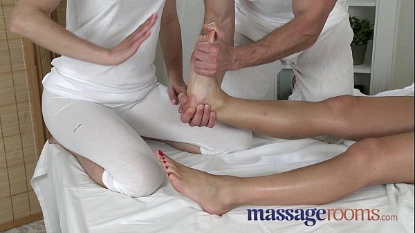 Massage Rooms Zuzana loves her juicy hole filled in oily threesome Thumb